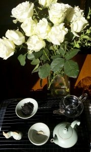 Roses from my husband and my creative gong fu setup